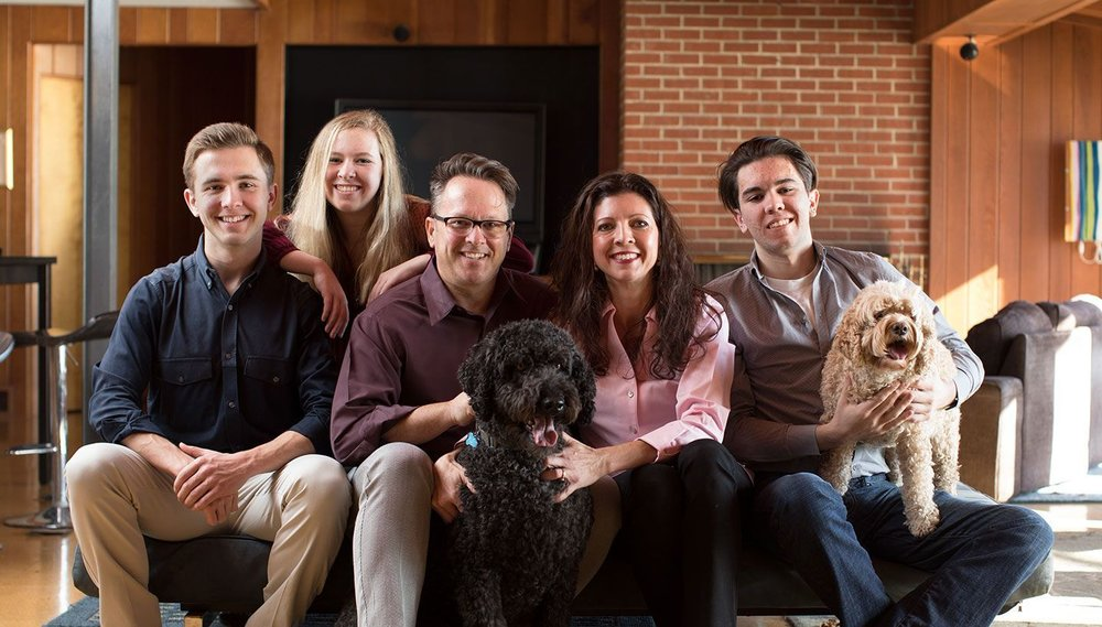 Betsy, her husband, her 3 children, and their 2 dogs
