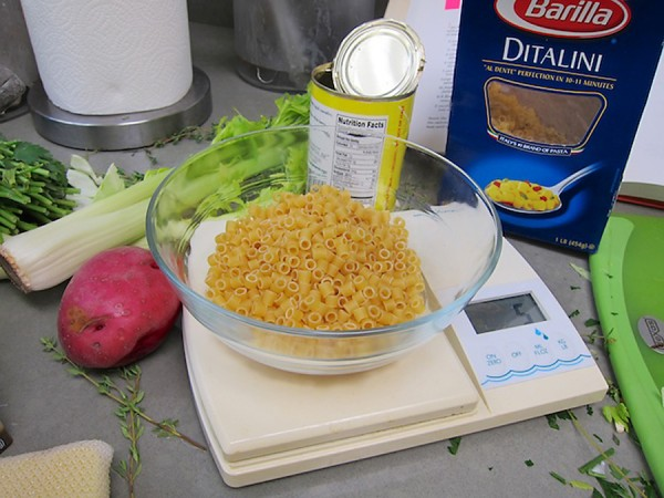 measuring Ditali pasta and potato