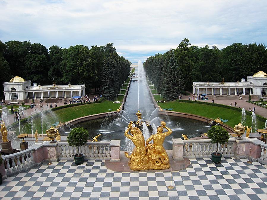 Peterhof long view