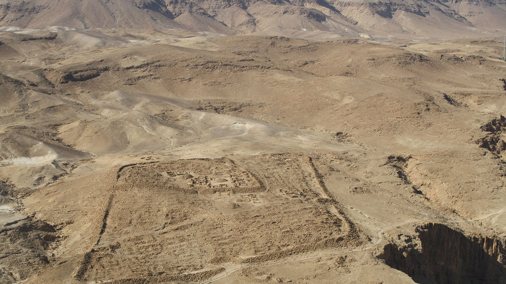 Within this compound, Roman legions and Jewish prisoners of war, totaling some 15,000   men and women (of whom an estimated 8,000 to 9,000 were fighting men) camped to lay siege to the 967 people on Masada.
