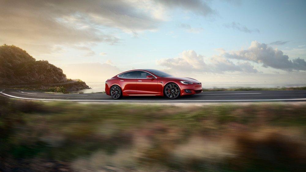 17030_Tesla_S_00_Performance_blur_lowres_v2_171006.jpg
