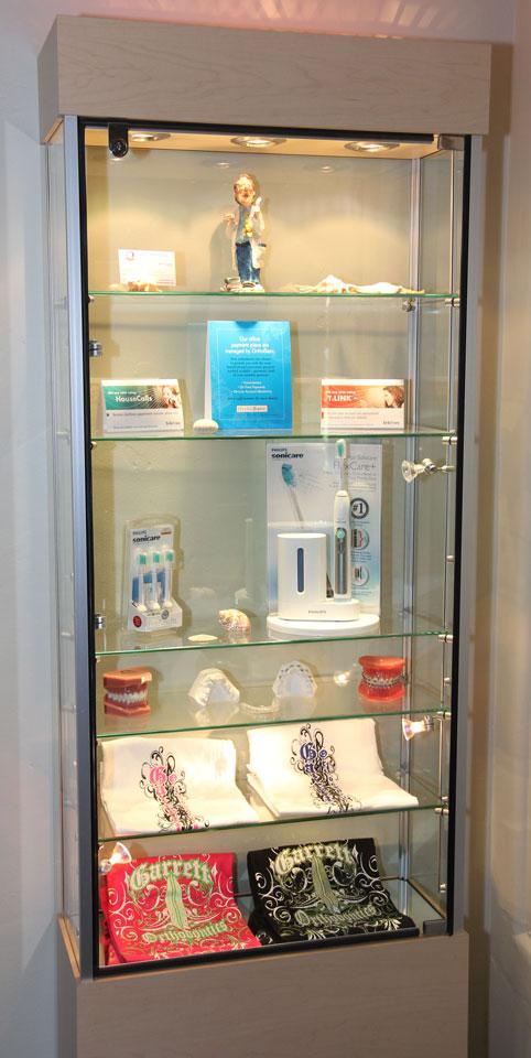 4-Display-Cabinet.jpg