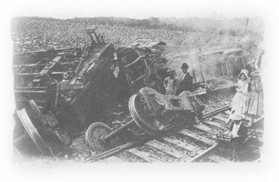 train-wreck-02.jpg