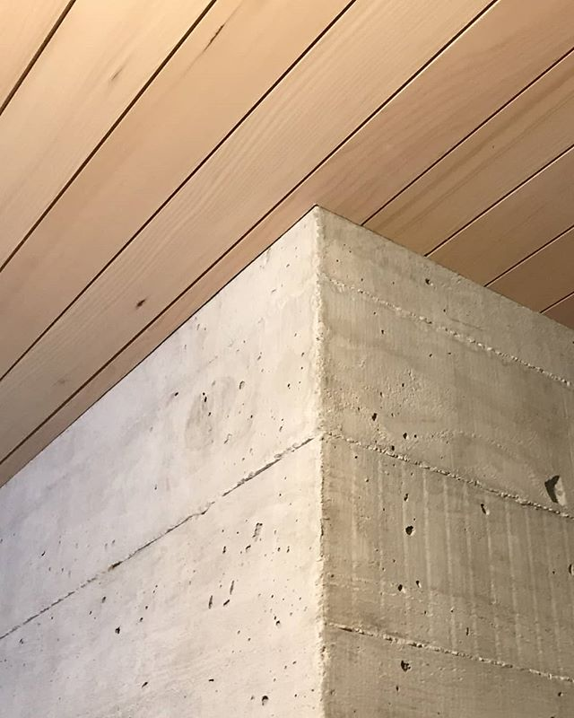 Interior soffits are far less forgiving than exterior soffits. In cases when there's no crown moulding, the end cuts are exposed. If the end cuts are not aligned, you'll notice a difference in the gaps between the wall and the soffits.  Visit our blog via the link in bio to see more examples of our work perfecting the fine details.  Tandem Construction is a general contracting, project management and carpentry company delivering luxury home renovations in Vancouver and the North Shore.