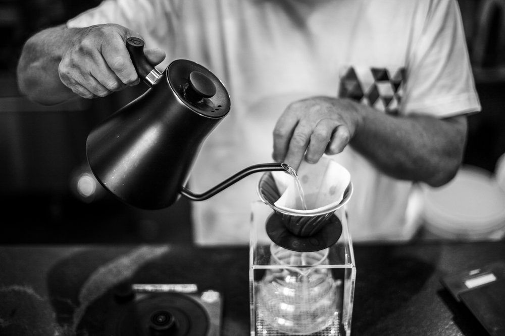 How to Brew a Cup of Hario V60 > -
