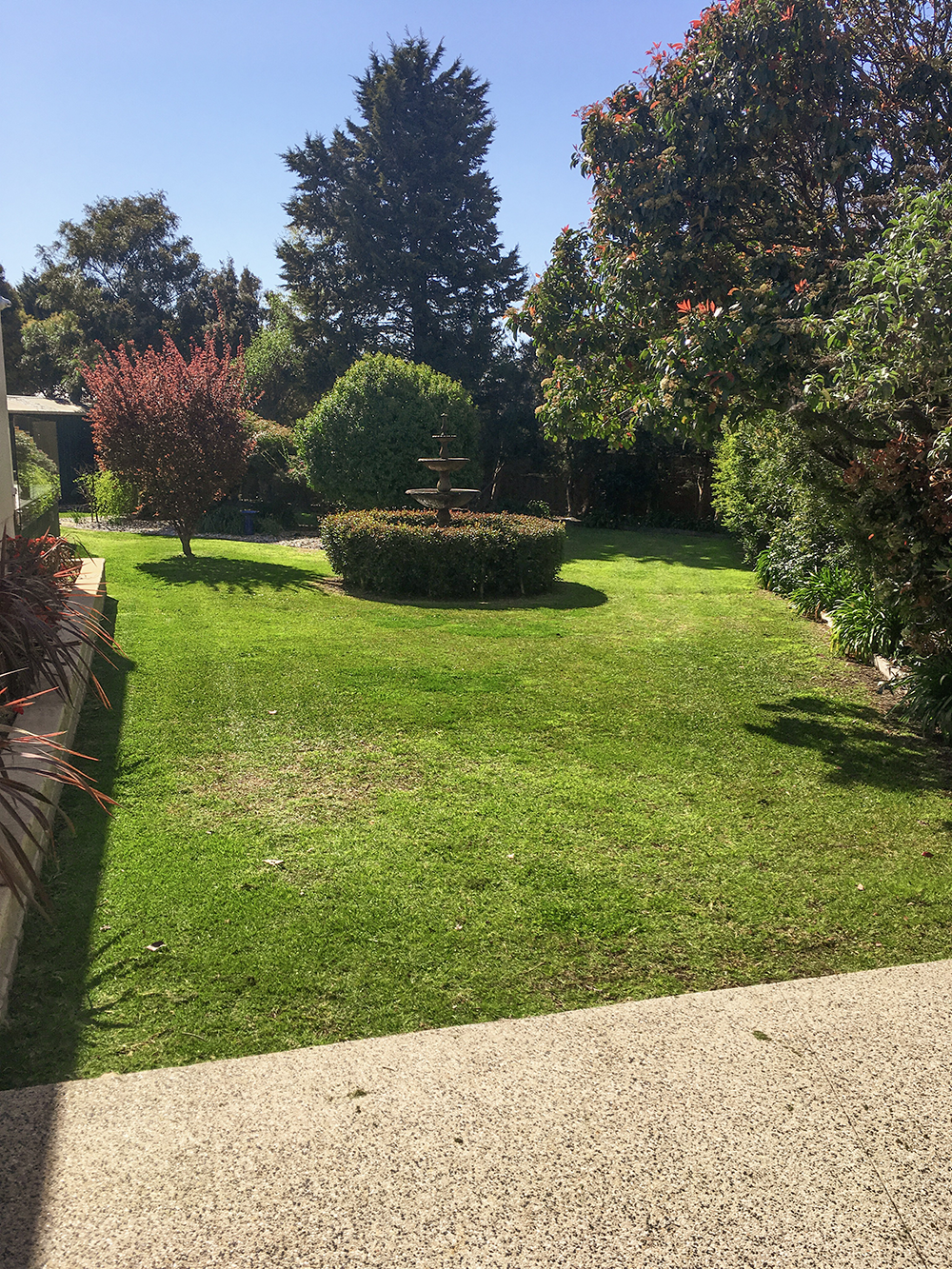 bggardenworks lawn mowing3.png