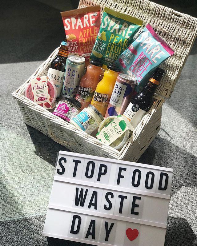 💥 FOOD WASTE FIGHTING GIVEAWAY💥⠀ We have teamed up with some of our fellow Food Waste Fighters to celebrate #StopFoodWasteDay! 👊⠀ All these delicious treats are made from surplus produce and turned into tasty food & drinks! ⠀ ⠀⠀ To enter you must follow all the brands below: ⠀⠀ 💚 @sparesnacks ⠀⠀ 💚 @toastale ⠀ 💚 @flawsomedrinks ⠀ 💚 @chicpfood ⠀⠀ 💚 @dashdrinks ⠀ 💚 @rubiesintherubble ⠀⠀ Now just tag someone that you'd like to share this awesome prize with! 👇⠀⠀⠀ ⠀⠀ T&Cs ⠀⠀ Giveaway open UK ONLY and runs from today to Midnight BST 29th April. The winner will be picked at random and contacted within 24 hours of it ending. Please note for us to check you have followed the guidelines your account must be public during the 30th April. This promotion is in no way sponsored, endorsed or administered by Instagram. By entering you are confirming you are 18+ years of age, release Instagram from any and all responsibility and you are adhering to Instagram's terms of use. ⠀ .⠀ .⠀ .⠀ #sparesnacks #wastenotwantlots #freesnacks #giftideas #freefood #fieldgoodsnacks #healthysnack #airdriedneverfried #wonkyfruit #wonkyveg #upcycledfruit #upcycledveg #healthyeats #lowcaloriesnacks #highfibre  #healthyeats #foodwaste #reducefoodwaste #competition #giveaway #foodgiveaway #foodgiveaways