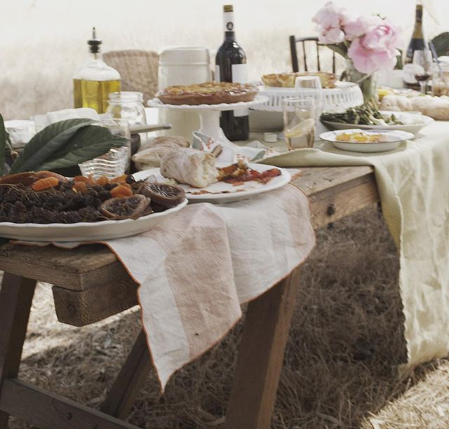 Monday inspiration: I'm crushing hard on this #tablescape from the 2013 'Barossa, be consumed' ad campaign. We spent some of our honeymoon eating and drinking all day long in this magical region with its dusty pastel colours #takemeback ! . . . #longlunchlinen #longlunch #napery #tablecloth #napkin #linen #homedesign #interiorstylist #decor #barossa #barossavalley #ladystartup