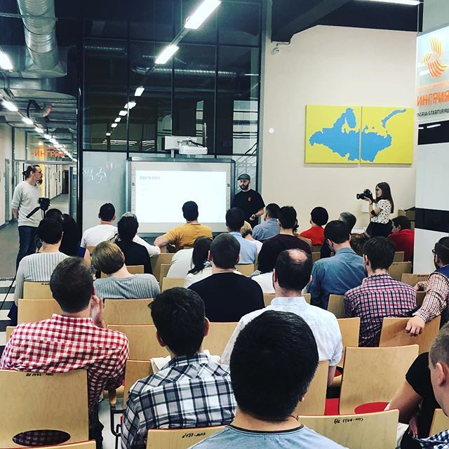 The first workshop in #saintpetersburg starts with a full house of Founders and Investors. #digirockstars #blockchain #russia