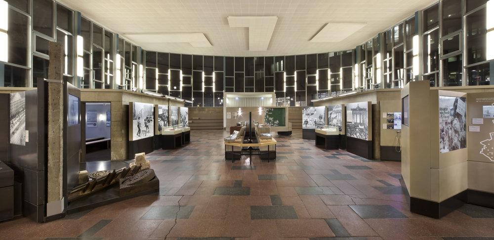traenenpalast_museum-exhibition-design_coordination-berlin_03.jpg