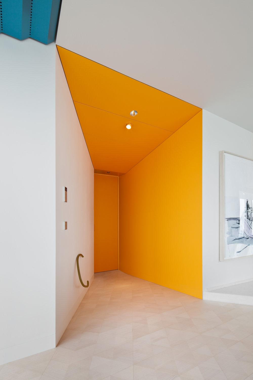 ritz-apartment_private-interior-design_coordination-berlin_04.jpg
