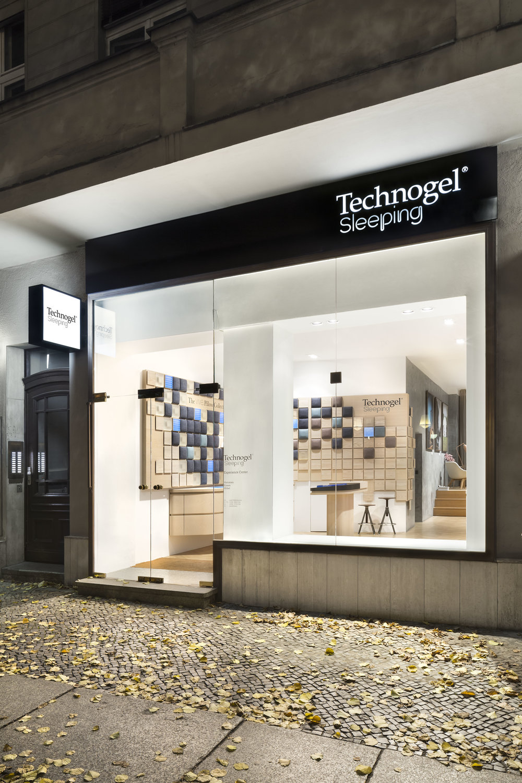 technogel-experience-center_retail-interior-design_coordination-berlin_01.jpg
