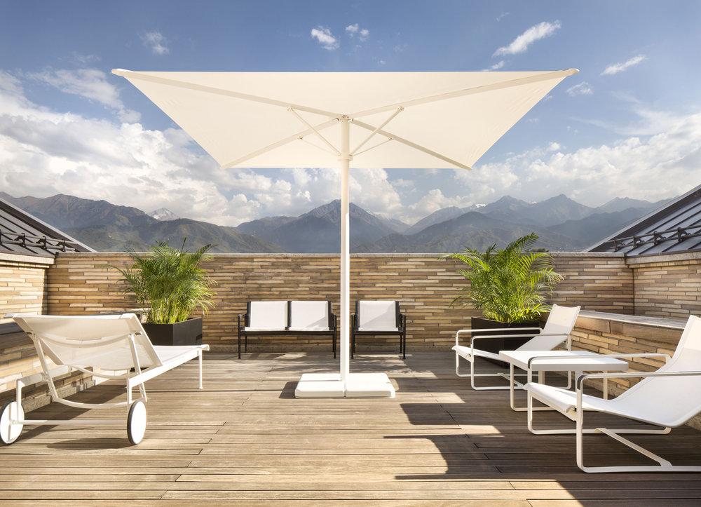 miras-villa_private-architecture-interior-design_coordination-berlin_03.jpg