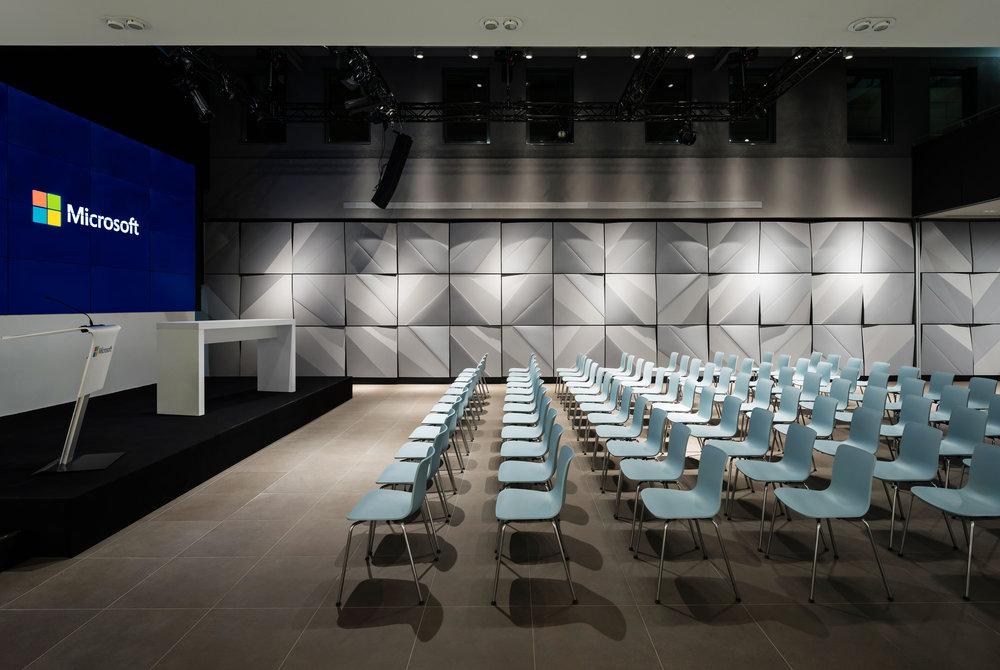 microsoft-center_coorporate-interior-design_coordination-berlin_06.jpg