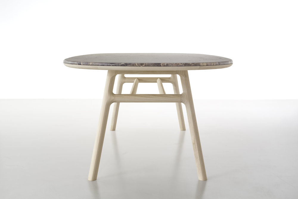 medeo-table_furniture-design_coordination-berlin_03.jpg