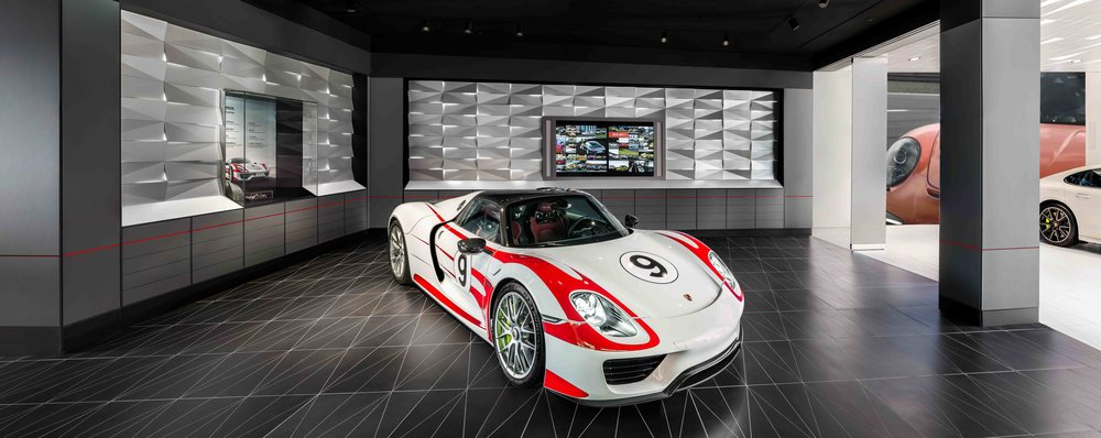 porsche-studio_retail-interior-design_coordination-berlin_19.jpg