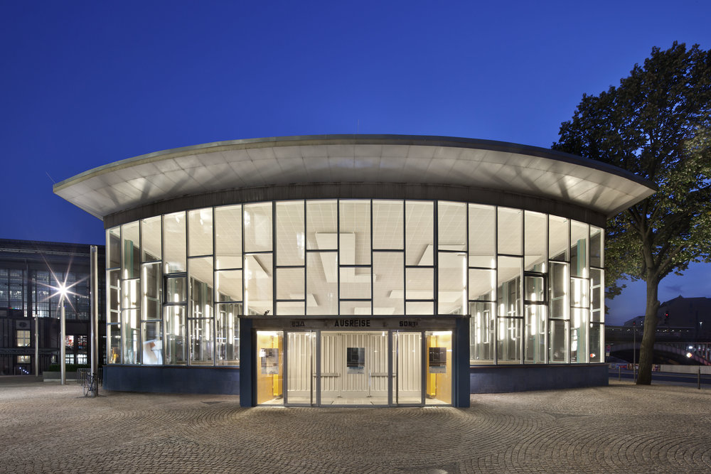 traenenpalast_museum-exhibition-design_coordination-berlin_01.jpg