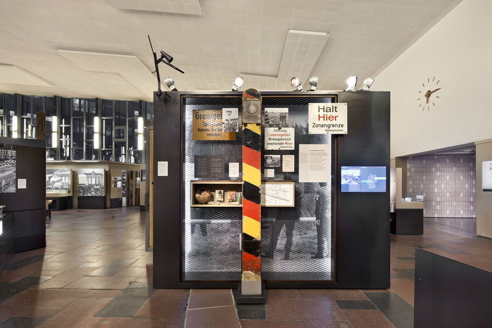 traenenpalast_museum-exhibition-design_coordination-berlin_04.jpg