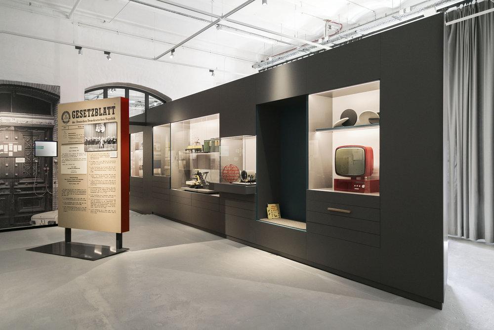 alles-nach-plan_museum-exhibition-design_coordination-berlin_003.jpg