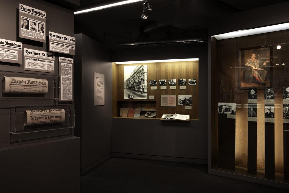 zeitgeschichtliches-forum-leipzig_museum-exhibition-design_coordination-berlin_07.jpg