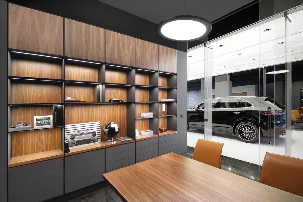 porsche-studio_retail-interior-design_coordination-berlin_20.jpg