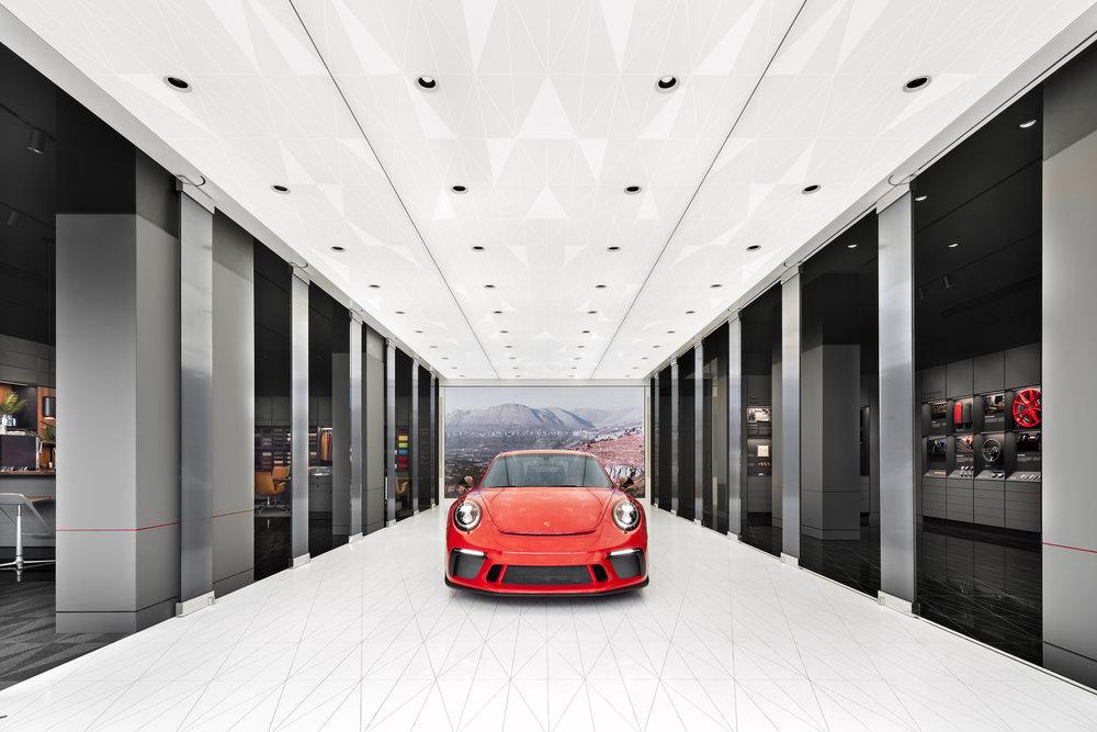 porsche-studio_retail-interior-design_coordination-berlin_04a.jpg