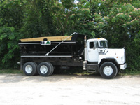 RockBody - BBI RockBody - Rock, Gravel, Sand, Salt and Aggregate Spreader- Easy to Operate -Distribution of Rock, Gravel, Sand, Salt and Aggregate - Optional In-Cab controls for conveyor and spinner speed - Ideal for precision application for road topping-