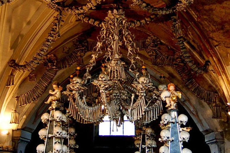 Human_Sedlec_Ossuary_Interior.JPG