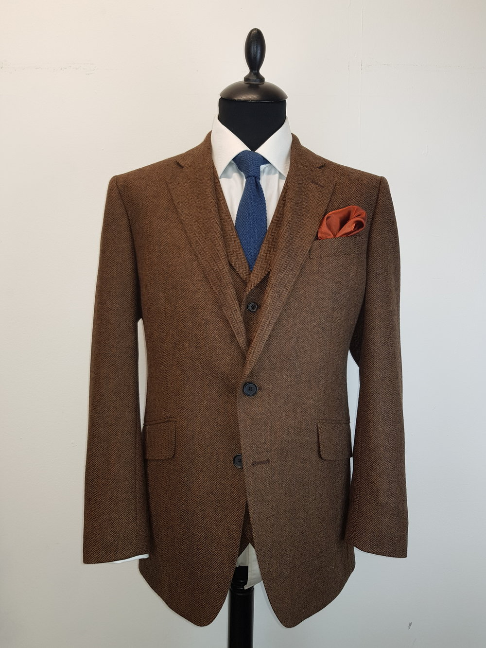 Brown Lambswool Herringbone Tweed (14).jpg