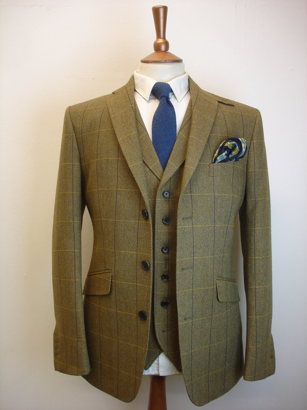 Porter & Harding Hartwist Tweed Suit (10).jpg