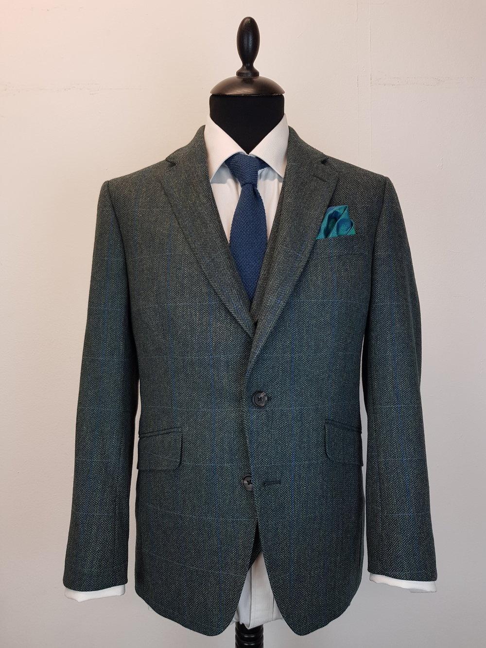 3 Piece Herringbone and check tweed suit (6).jpg