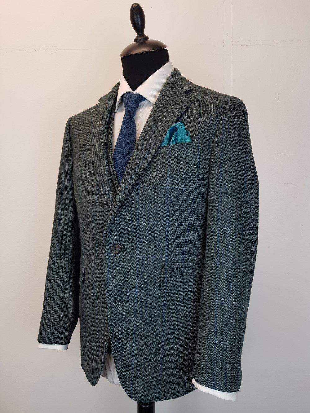 3 Piece Herringbone and check tweed suit (7).jpg