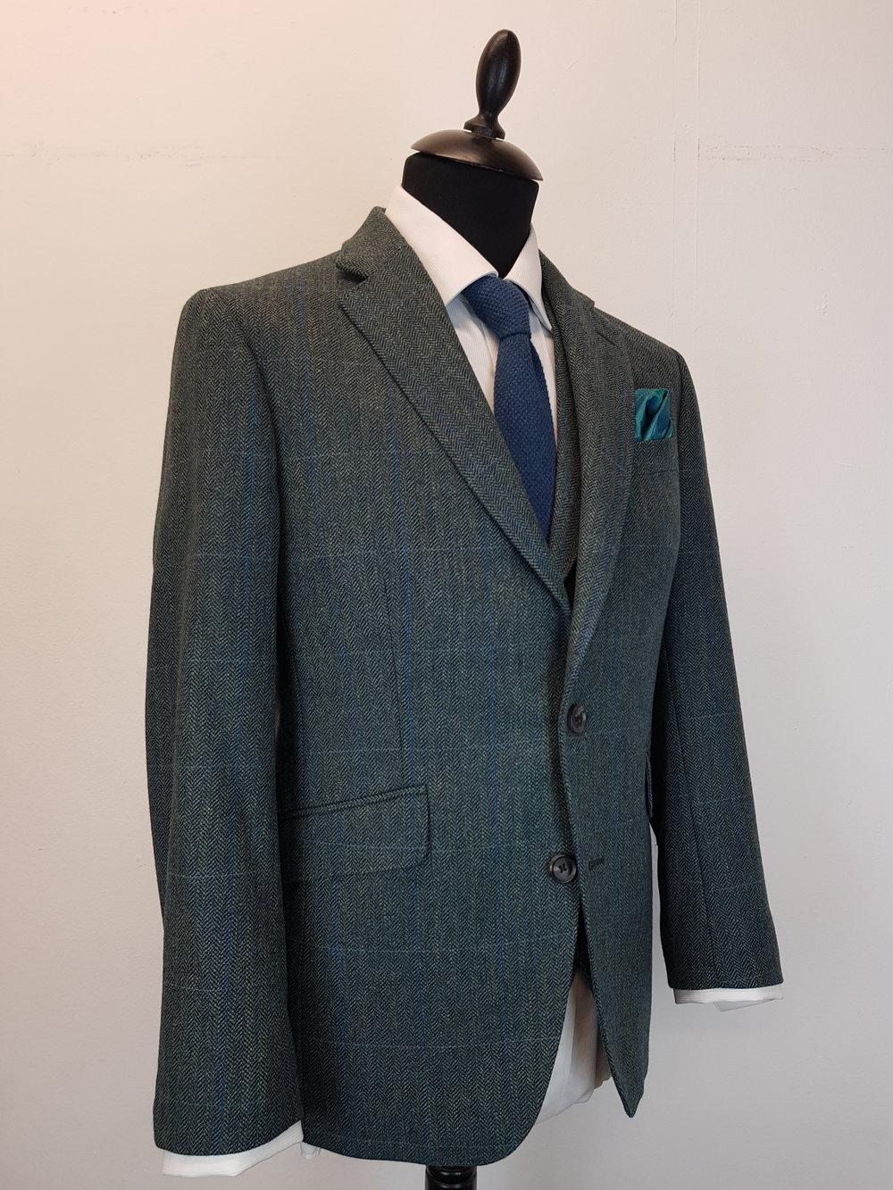 3 Piece Herringbone and check tweed suit (9).jpg