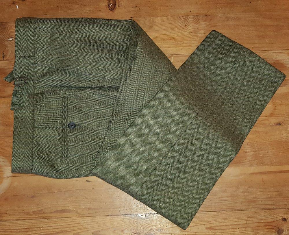 Green herringbone 3 piece tweed suit (1).jpg