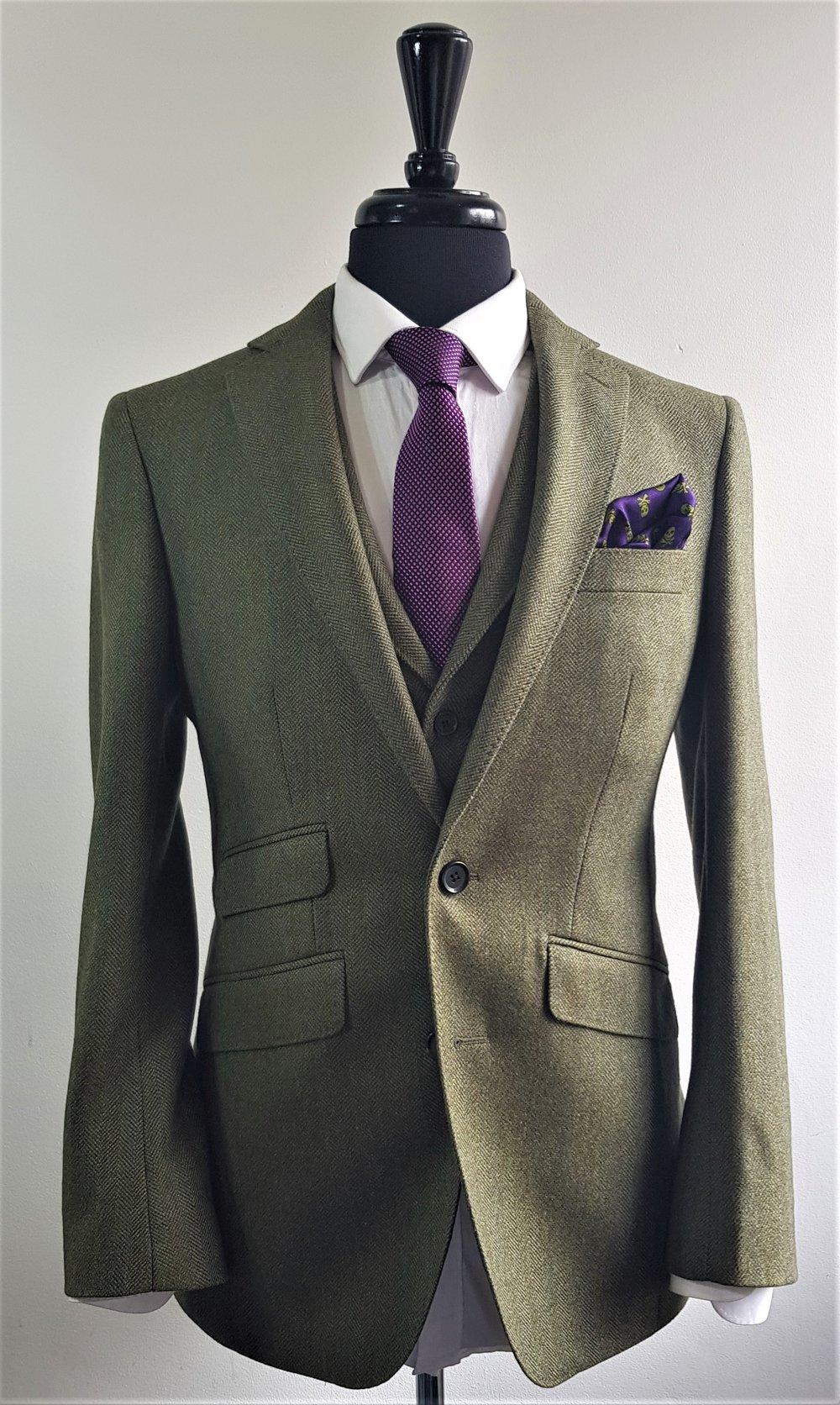 Green herringbone 3 piece tweed suit (6).jpg