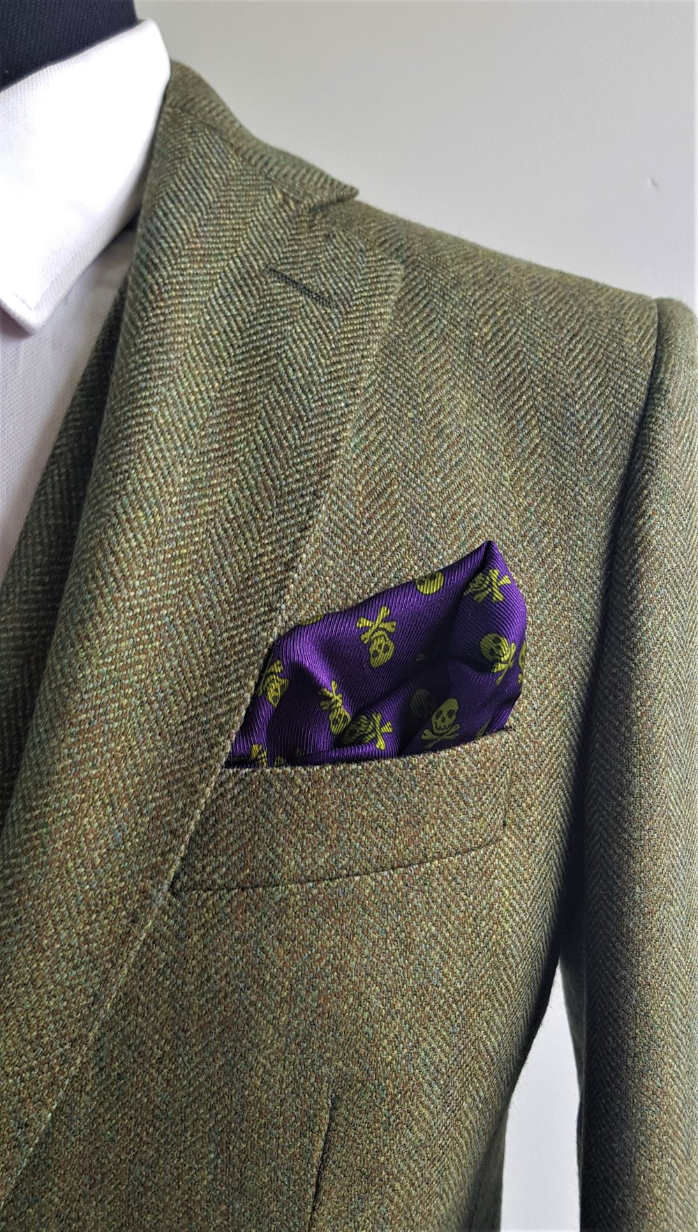 Green herringbone 3 piece tweed suit (7).jpg