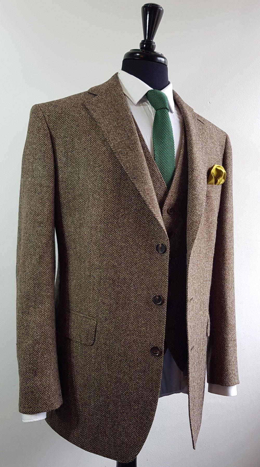 Brown herringbone 3 piece tweed suit (8).jpg