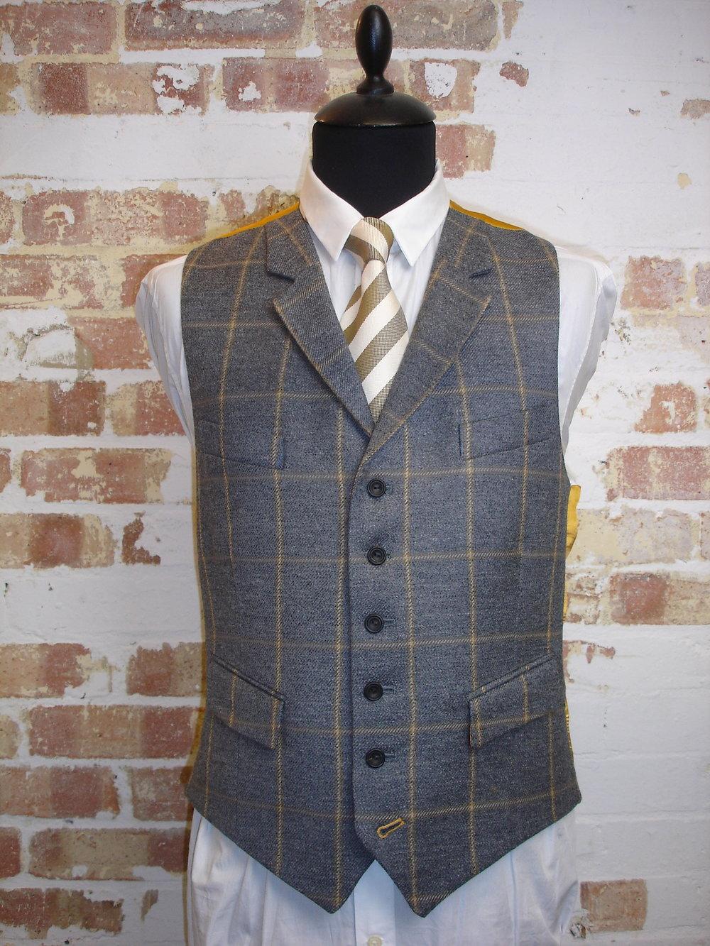Glenhunt Grey Check 3 Piece Tweed Suit (2).JPG