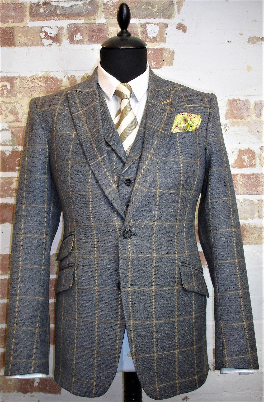 Glenhunt Grey Check 3 Piece Tweed Suit (6).JPG