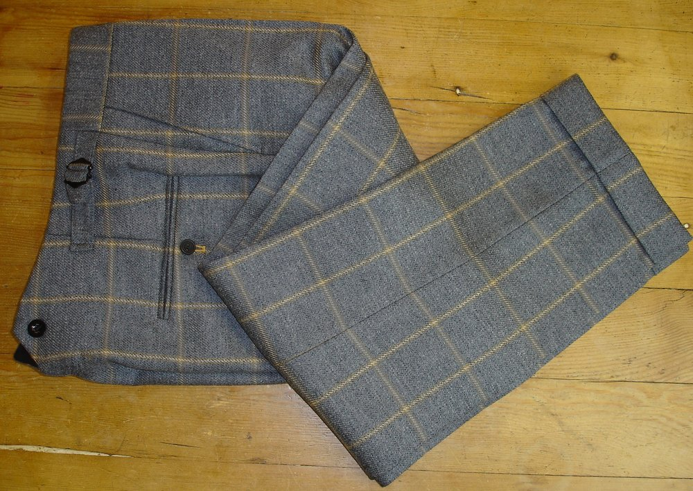 Glenhunt Grey Check 3 Piece Tweed Suit (18).JPG