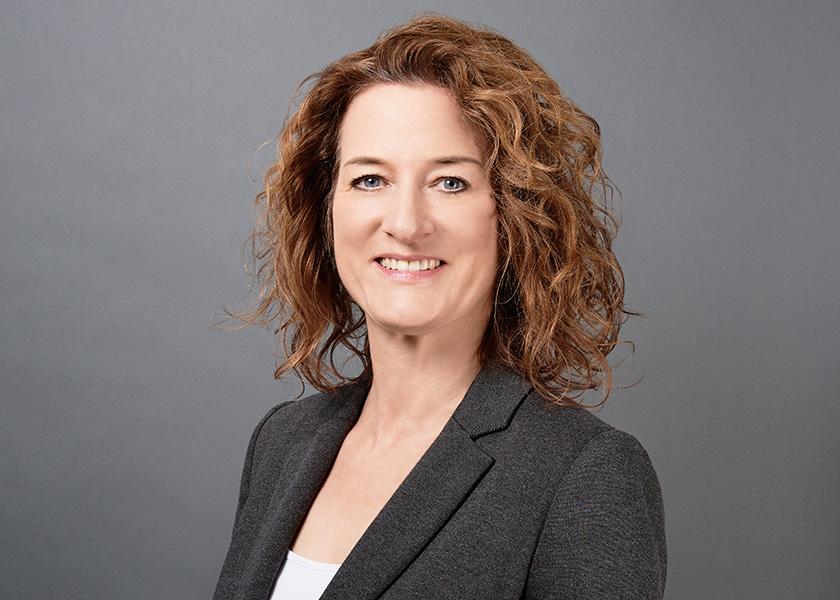 - Angela Ben AissaHead of Event ManagementAfrika-Verein Veranstaltungs-GmbH Tel.: 040-419133-18