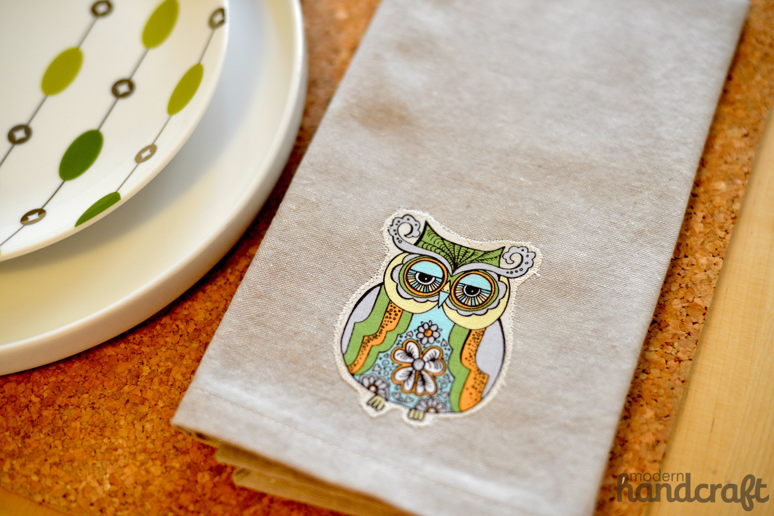 Modern Handcraft // Fall Owl Napkin Tutorial