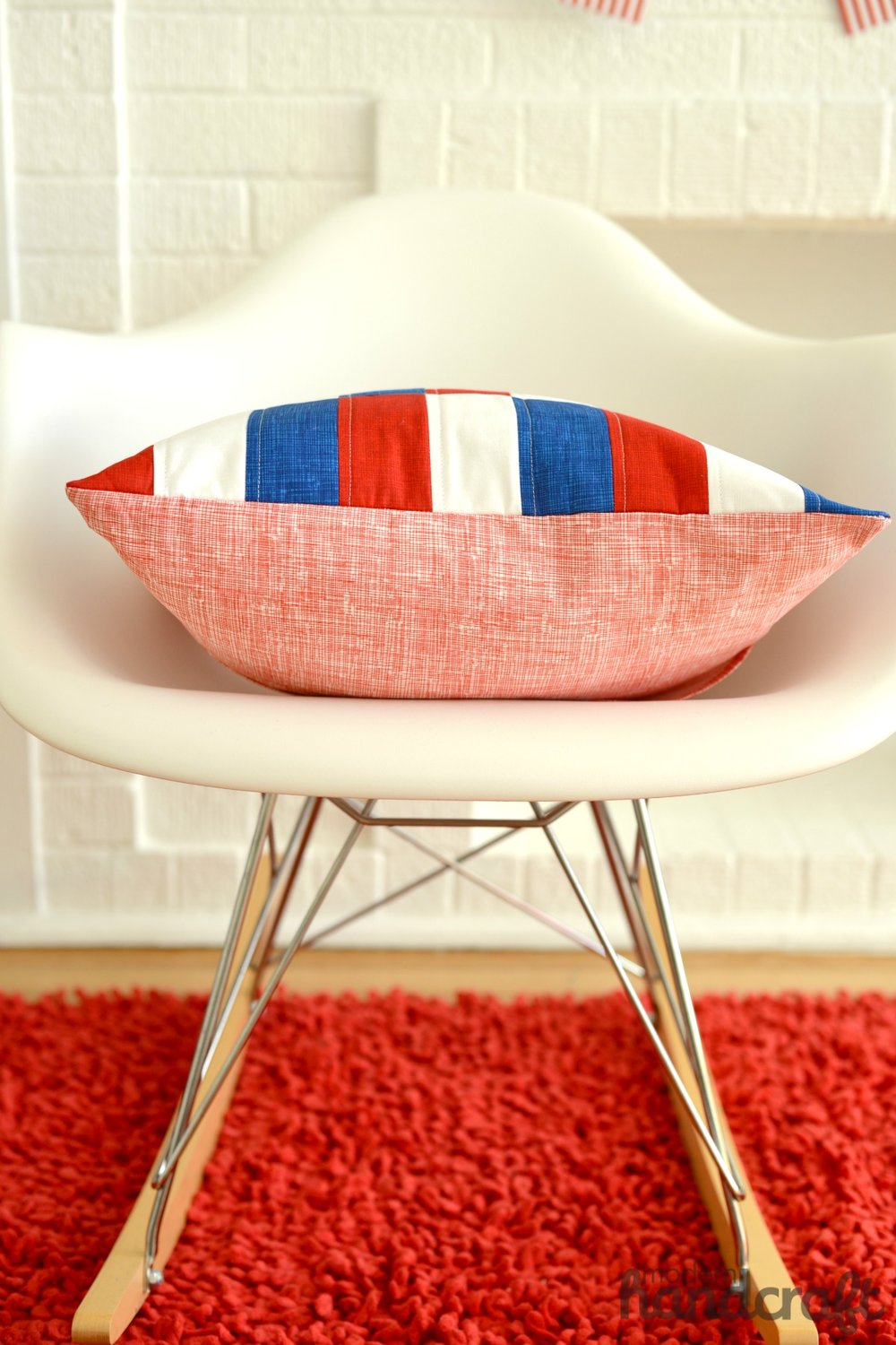 Patriotic Patchwork Pillow Tutorial - Modern Handcraft