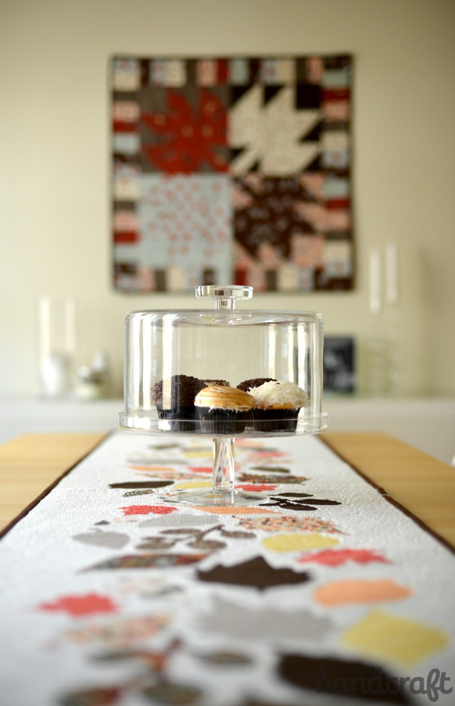 Modern Handcraft // Fall Leaves Table Runner