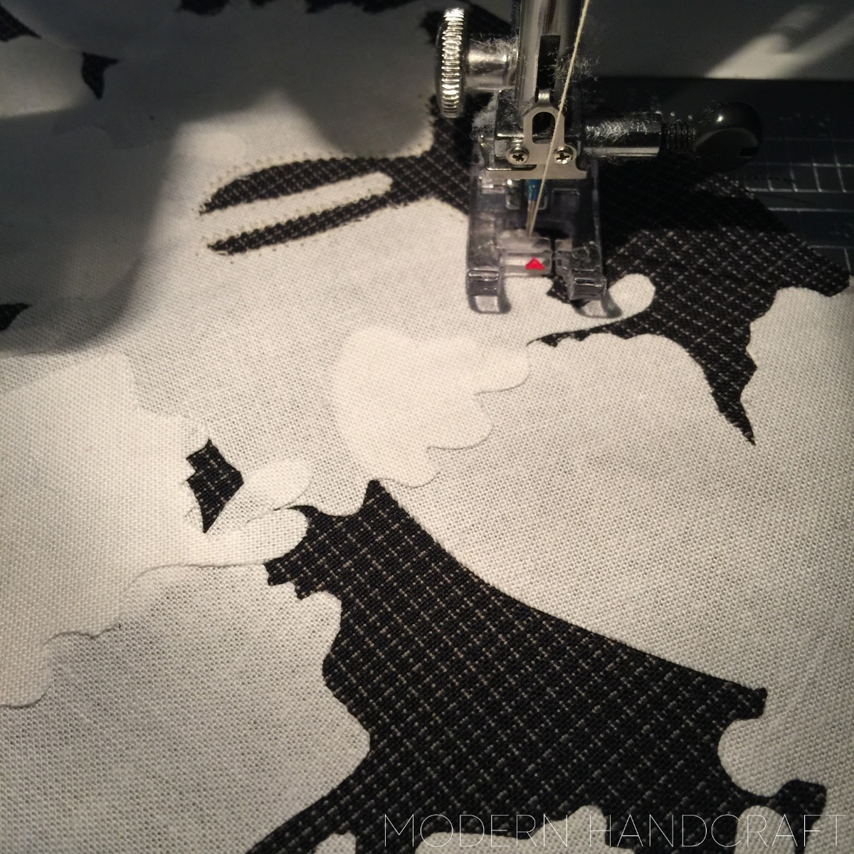 Modern Handcraft // Black and White fabric tour - Swarm Quilt