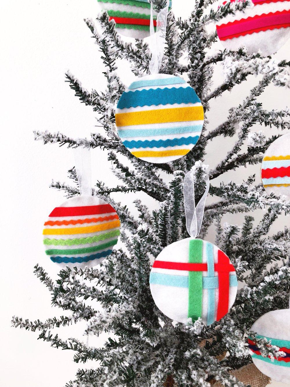 Modern Handcraft Wool Ornaments