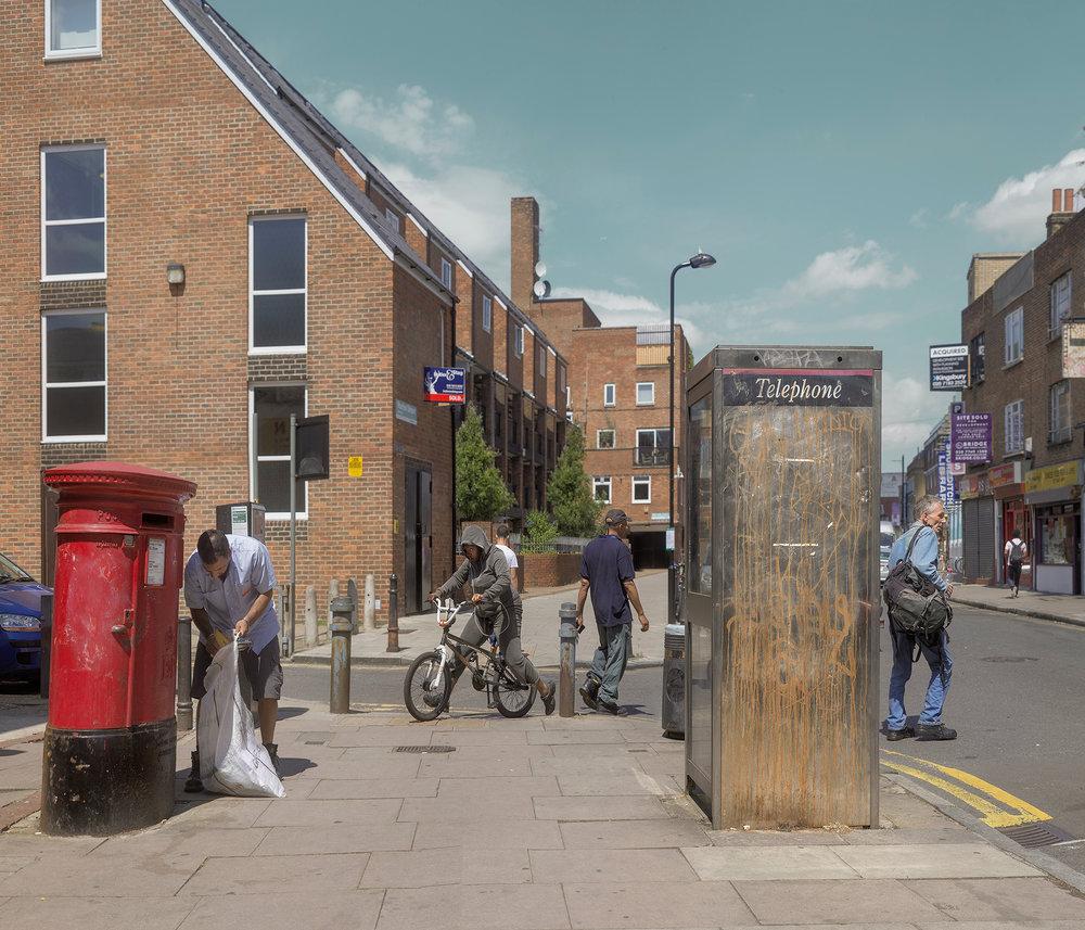 hoxton phone box 2014.jpg