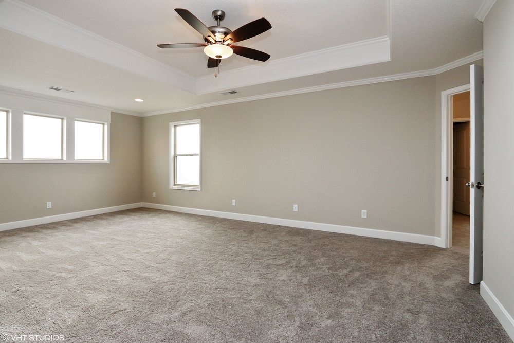 14_211SWRooseveltRidge_178_MasterBedroom_HiRes.jpg