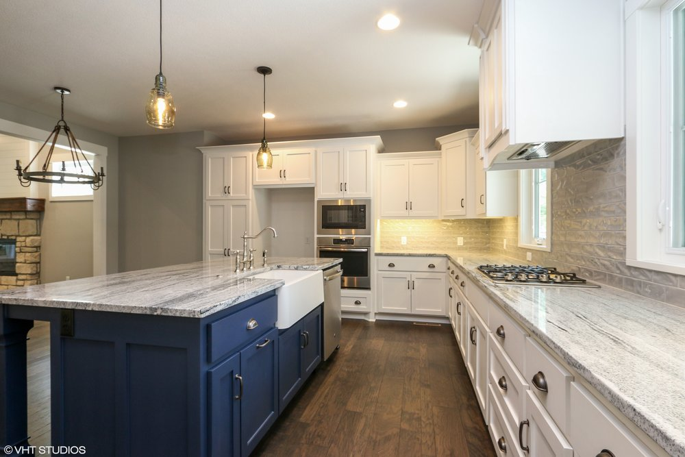 07_207SE4thSt_177_Kitchen_HiRes.jpg