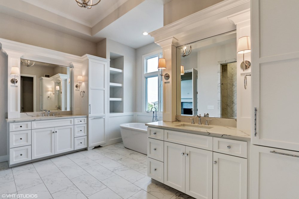 18_10306StonehausDrive_13_MasterBathroom_HiRes.jpg